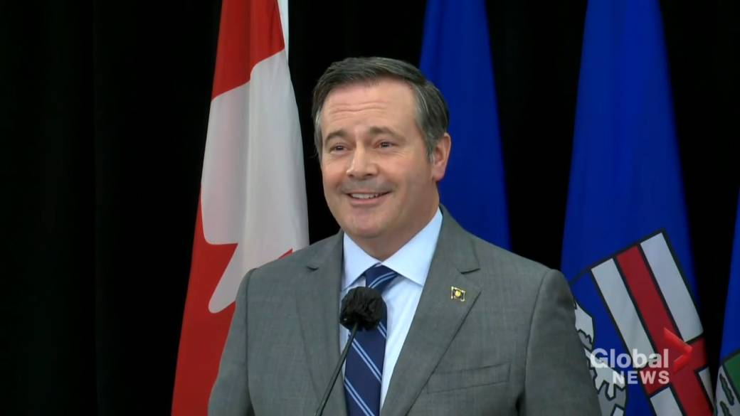 Click to play video: 'Kenney says province looking at incentives for COVID-19 vaccines'