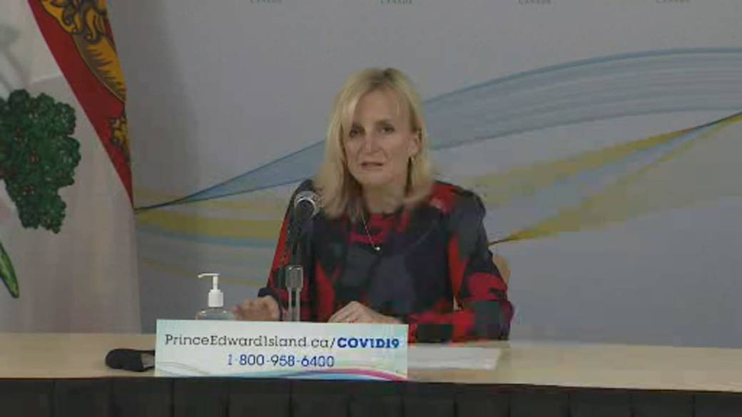 Click to play video 'Coronavirus: PEI's top doctor details what suspending Atlantic bubble participation means'