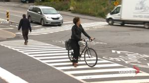 Côte-des-Neiges–NDG mayor calls for overhaul of busy crossing (02:04)