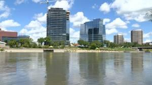 High levels of South Saskatchewan River raises safety concerns