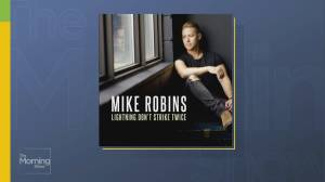 Mike Robins performs solo single 'Lightning Don't Strike Twice'