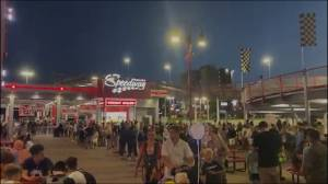 Coronavirus: Video shows large crowds and long lines in Niagara Falls (00:30)