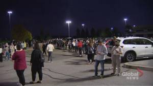 Long lineups, lengthy waits on election night (01:49)