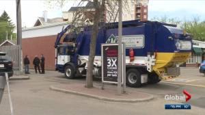 Woman found dead, man injured in Edmonton garbage dumpster (01:33)