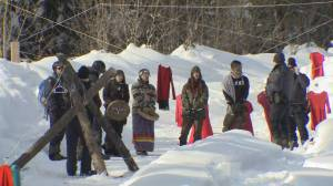 Pipeline battle splits Wet'suwet'en community