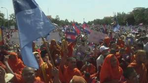 Thousands rally for Cambodia election investigation