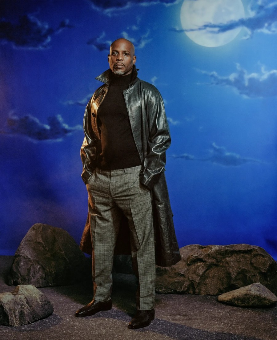 dmx standing with hands in pockets
