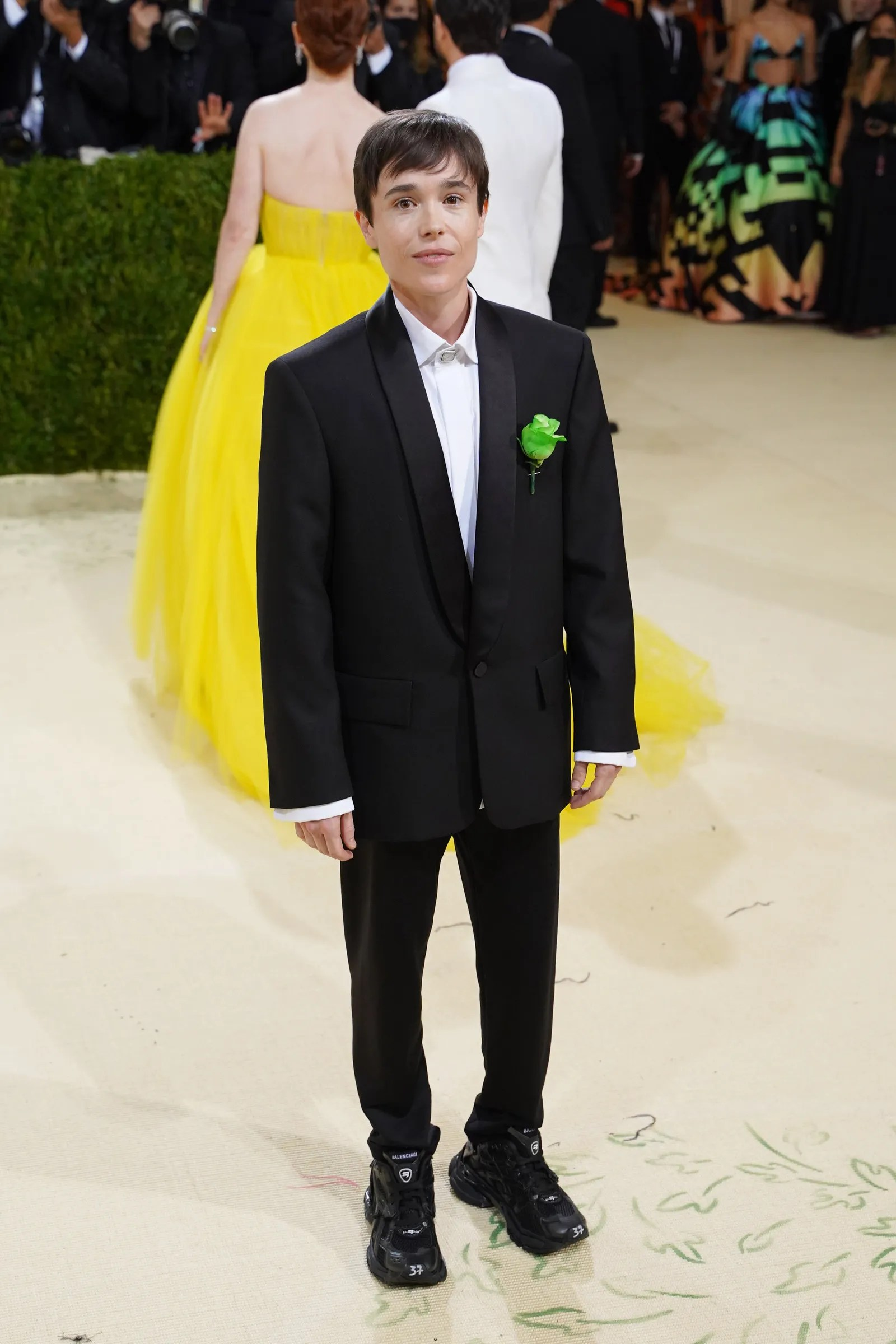 NEW YORK NEW YORK SEPTEMBER 13 Elliot Page attends 2021 Costume Institute Benefit In America A Lexicon of Fashion at ...