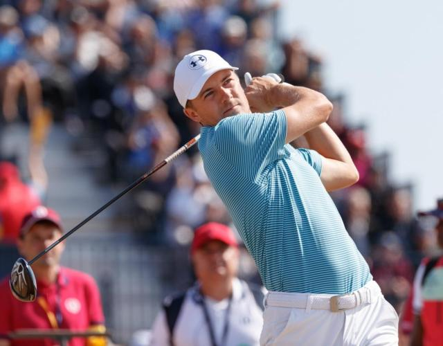 Spieth finishes on 72, one over par.