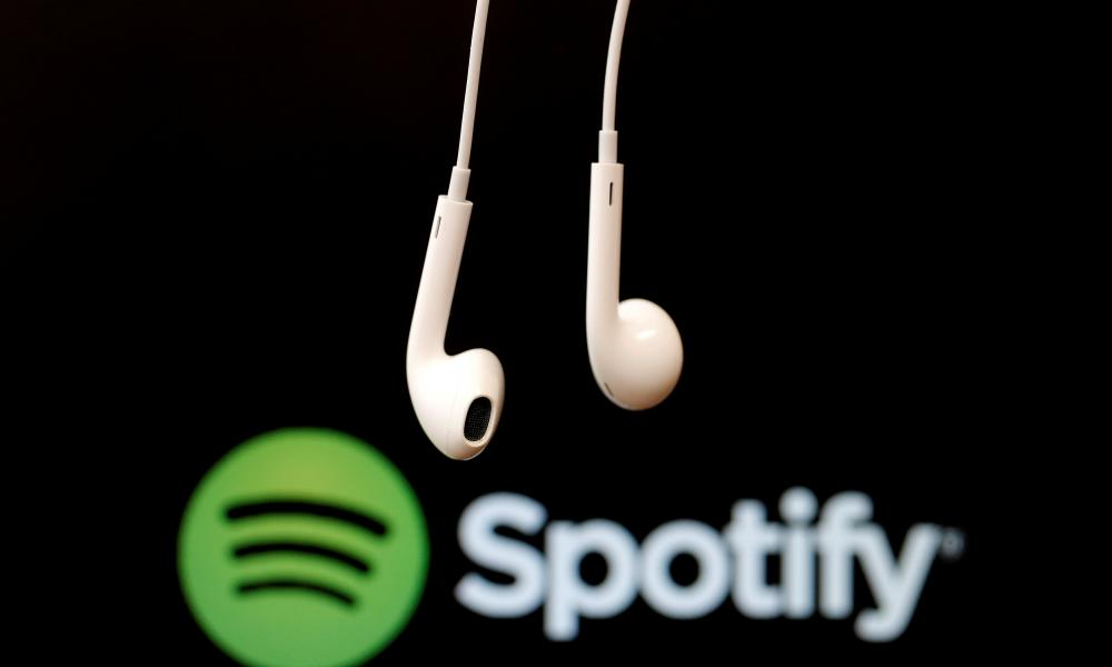 spotify logo and earbuds