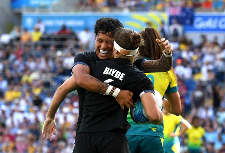 New Zealand win the women's rugby sevens gold medal.