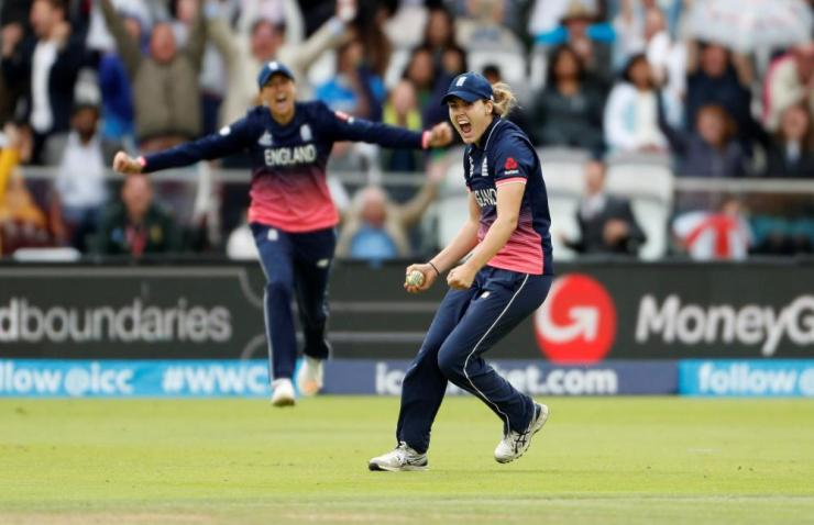 Sciver celebrates catching Deepti.
