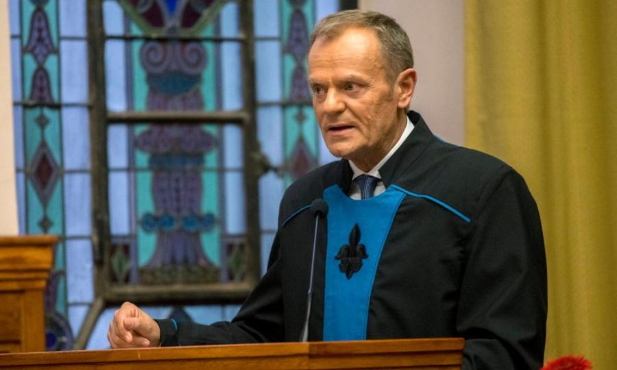 European Council President Tusk receives honorary doctorate in Hungary on 8 December 2017