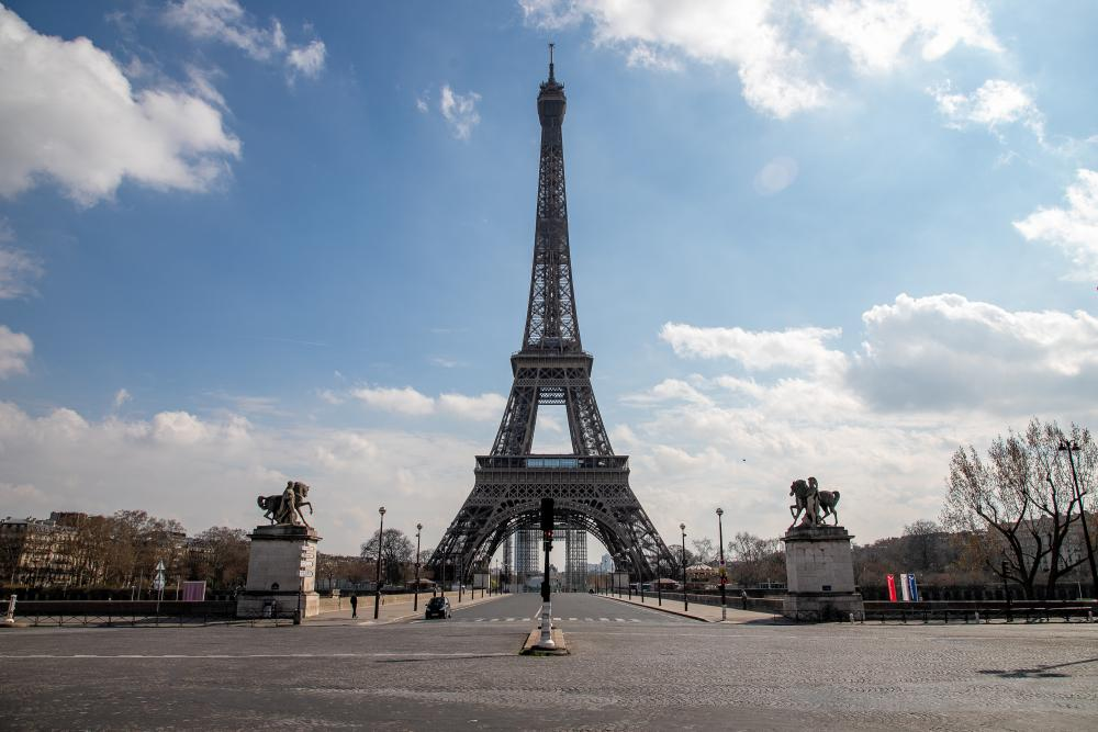 The Eiffel tower on Wednesday, the second day of the confinement of the French due to an outbreak of coronavirus