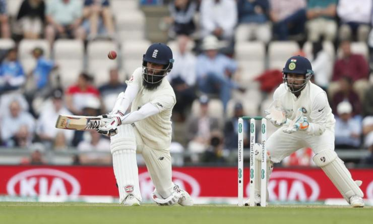 Moeen Ali top edges and is caught Jasprit Bumrah.
