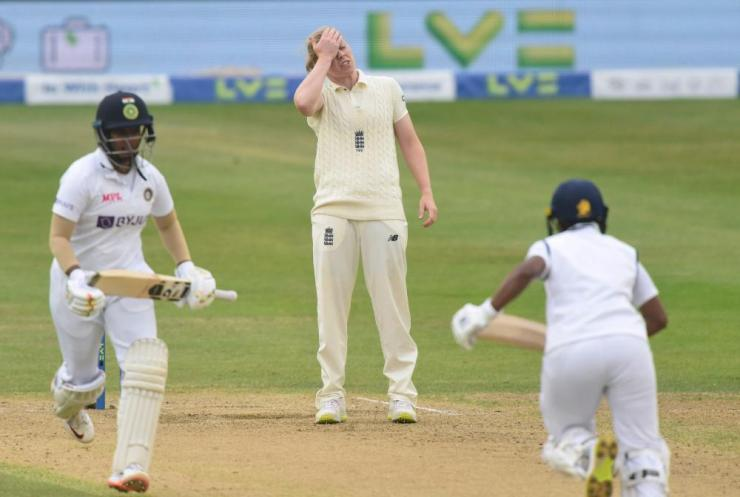 Frustration for England's Heather Knight.