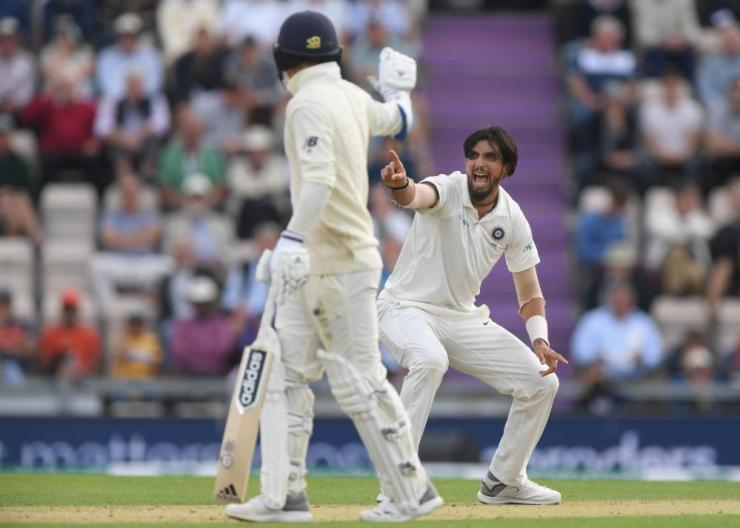 Ishant Sharma successfully appeals for the wicket of Adil Rashid.