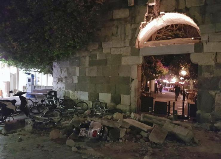Buildings in Kos were damaged after the strong 6.7 magnitude quake.