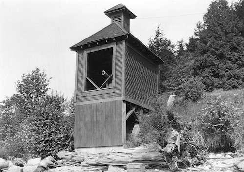 «توپ شلیک ساعت ۹» ونکوور از نمای روبرو. حوالی سال ۱۹۰۳