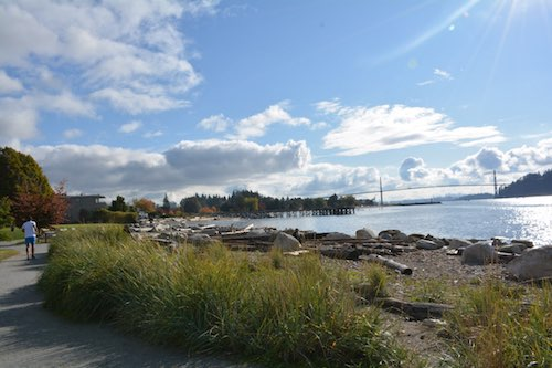 مسیر پیادهروی پارک امبلساید در وست ونکوور