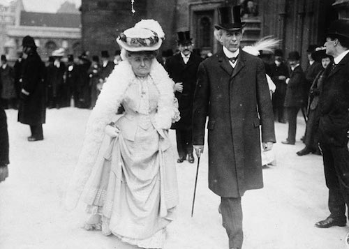 سر ویلفرید لوریه و همسرش زوئی در سال ۱۹۰۷