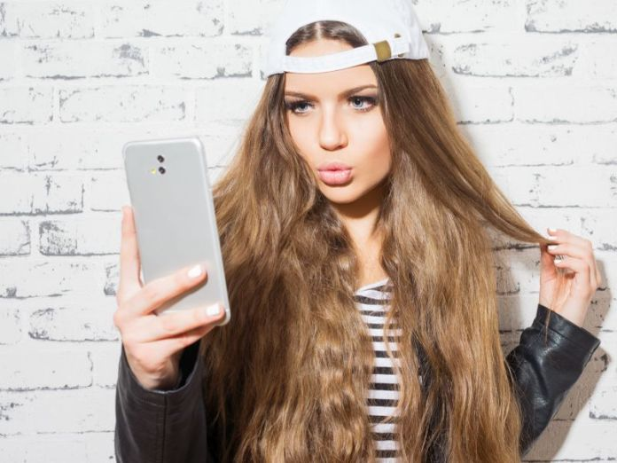 News Picture: Posting All Those Selfies Online Could Backfire, Study Finds