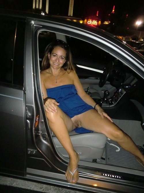 girls sitting in cars flashing sexy legs