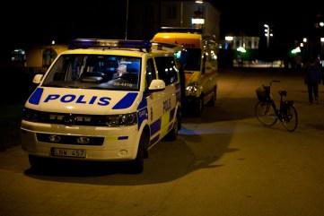 Ambulans och Polis i Lidköpings nattliv. Vad jag vet var ingen varken skadad eller gripen.