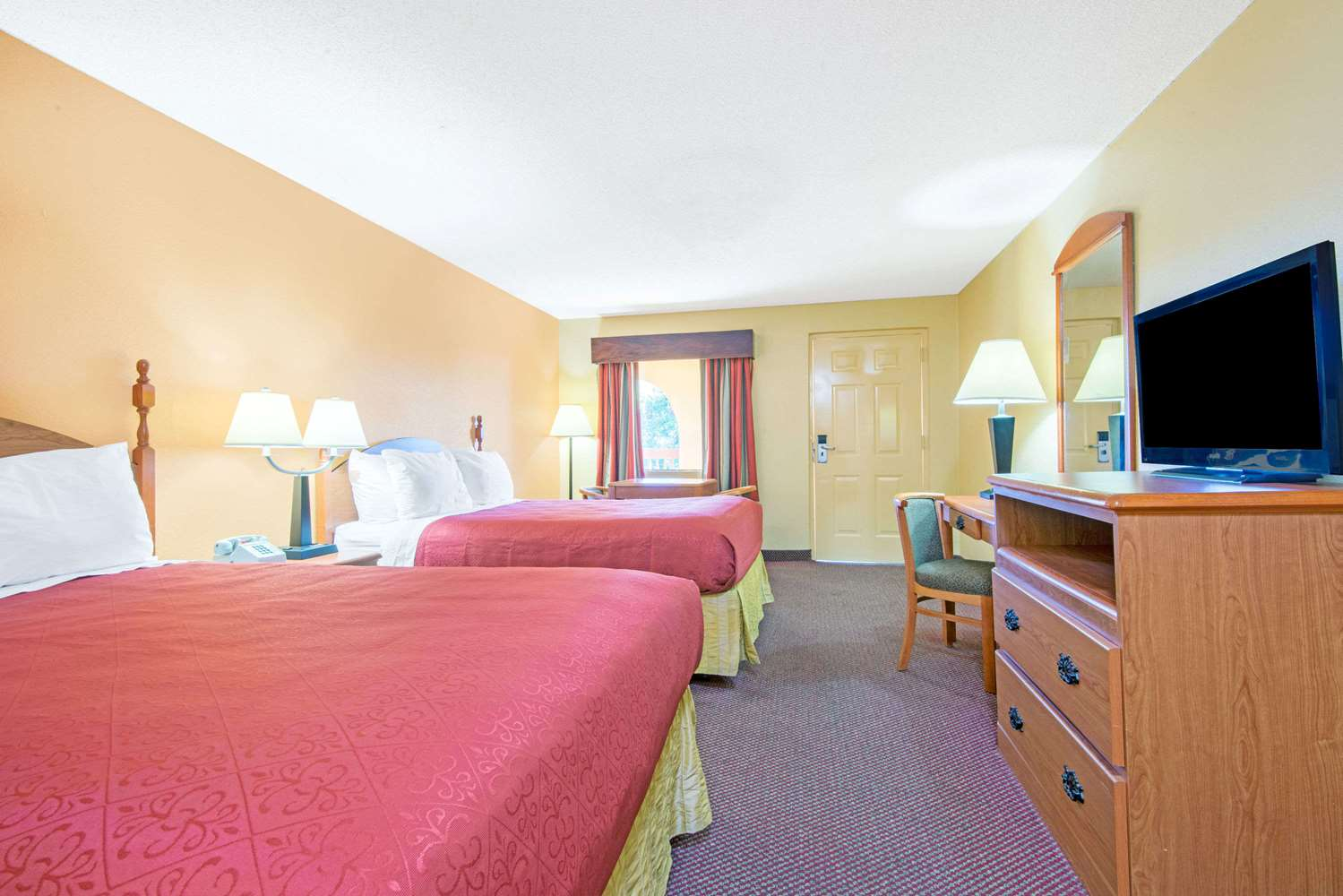 Days Inn Opelika  AL   See Discounts Room   Days Inn Opelika