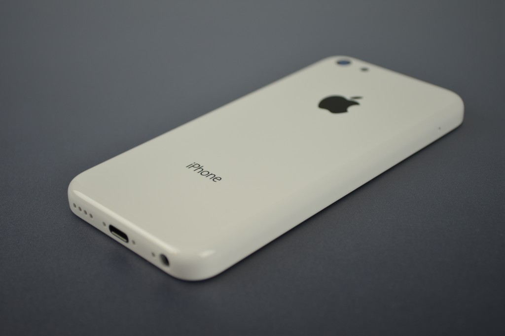 iPhone 5C (white, Sonny Dickson 002)