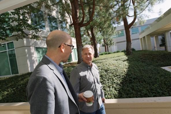 Phil Schiller Lance Ulanoff campus walk