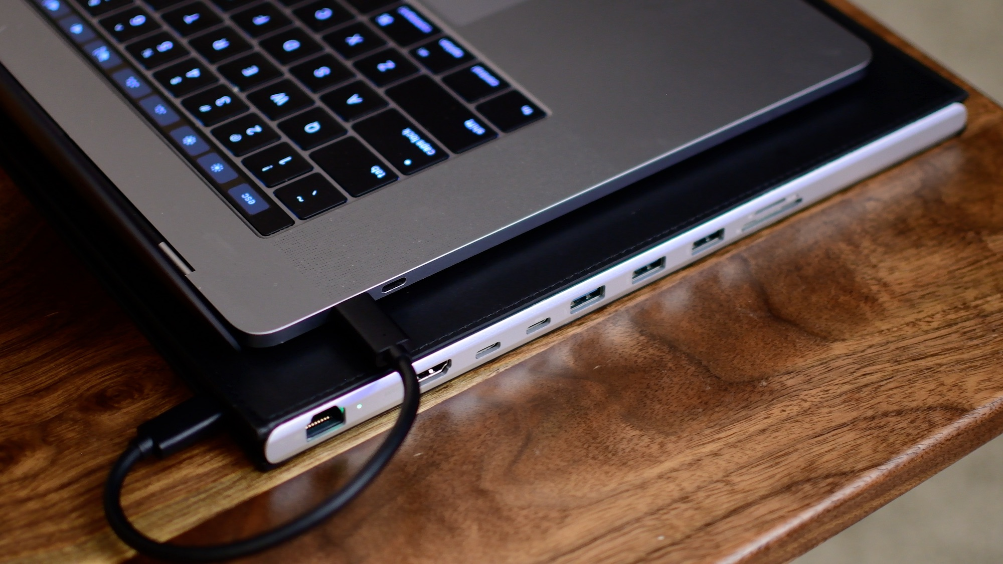 Review Dockcase Combines A Sleeve And A Usb C Hub In An