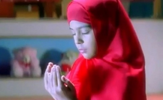 Anjali prays in Kuch Kuch Hota Hai