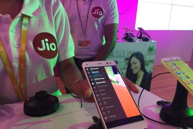 Reliance Jio Smartphone and Sim Cards
