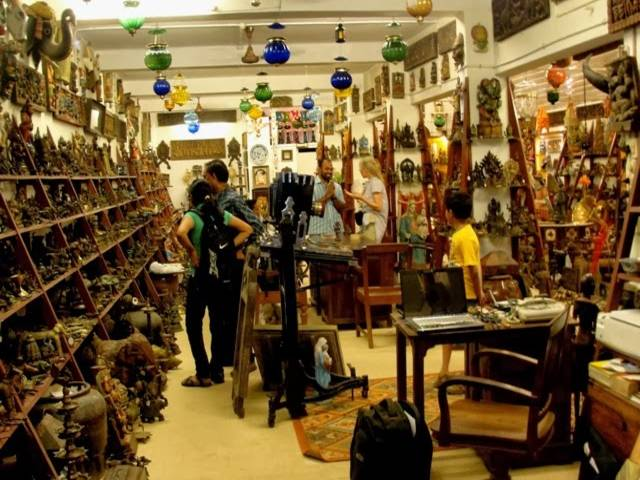 Most Famous Antique Markets In India-Phillips Antiques ...