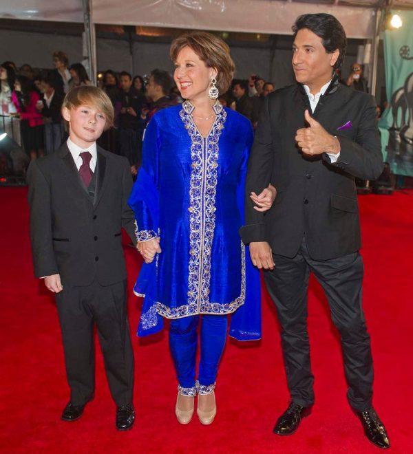 TOIFA Red Carpet: Ash, Priyanka, Ileana, Nargis, Aditi ...