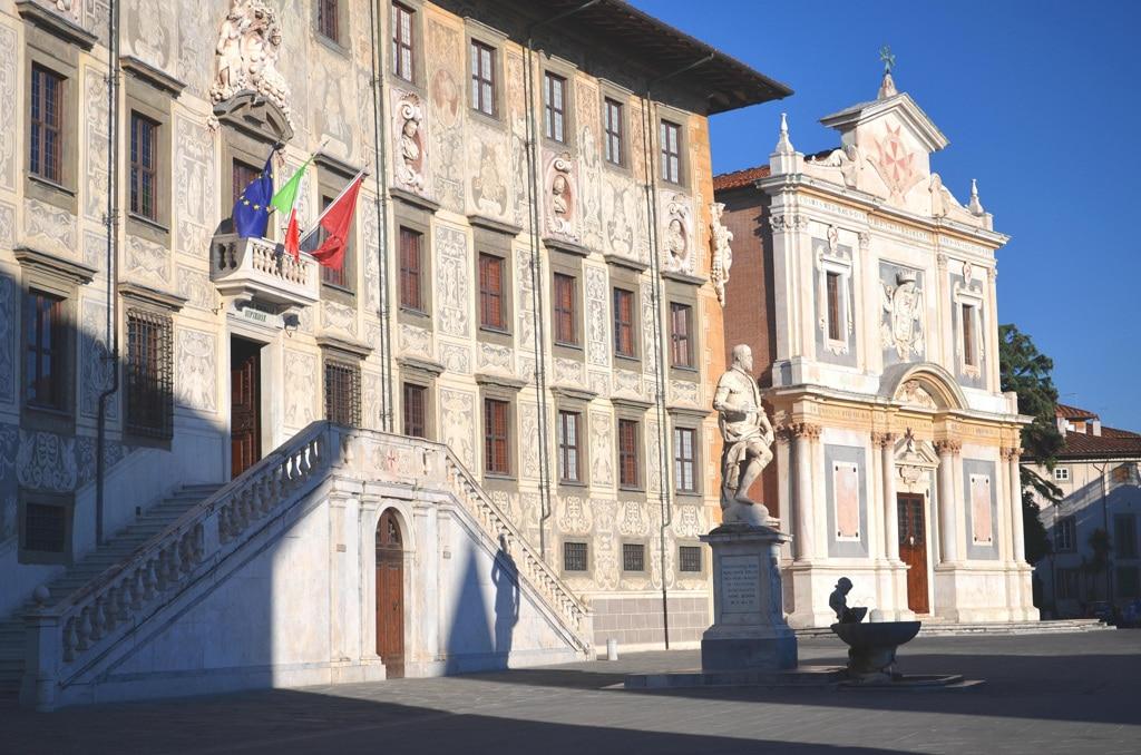 La Scuola normale di Pisa, in piazza dei Cavalieri. - Dariusz Szwangruber, Alamy