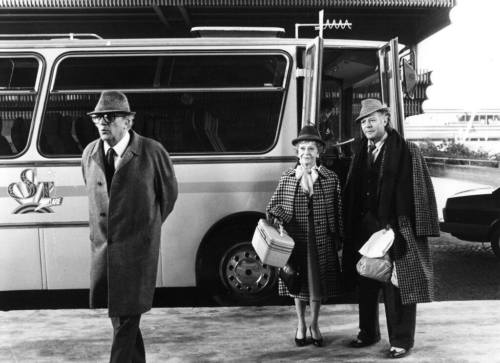 Federico Fellini, Giulietta Masina e Marcello Mastroianni sul set di Ginger e Fred, 1986. - Mptvimages/Contrasto
