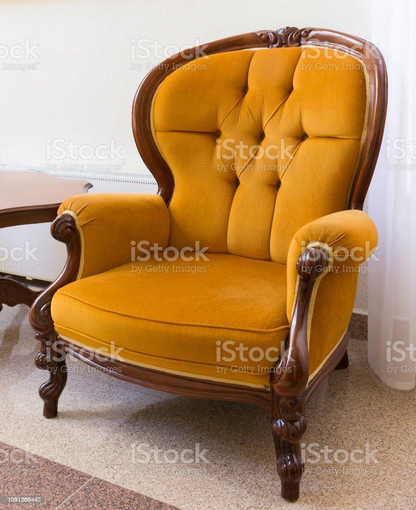 photo libre de droit de antique orange fauteuil fauteuil de style ancien vintage banque d images et plus d images libres de droit de ameublement istock