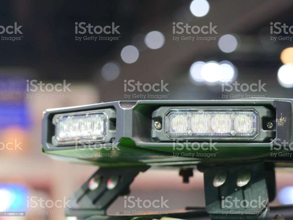 https www istockphoto com photo flashing lights on top of police patrol car gm1139921105 304853890