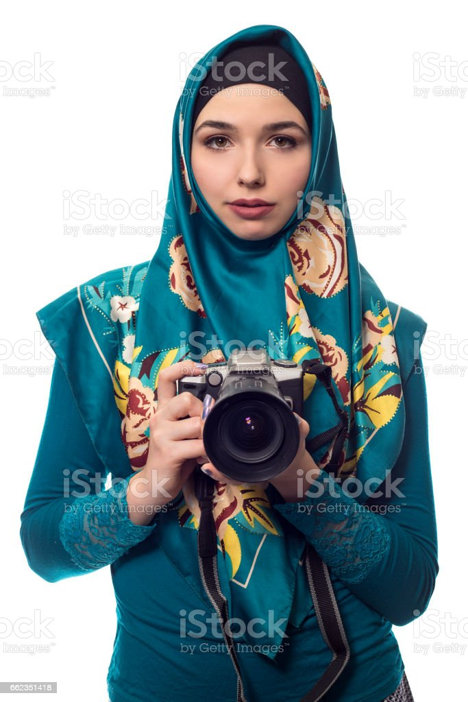 In 2015, she was believed to be the first tv news reporter in north. Photographer Or Journalist With A Hijab And A Camera Stock Photo Download Image Now Istock