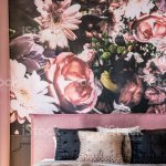 Rosa Und Schwarzen Kissen Auf Bett Gegen Blumen Tapete In Uberwaltigenden Schlafzimmer Innenraum Echtes Foto Stockfoto Und Mehr Bilder Von Bett Istock