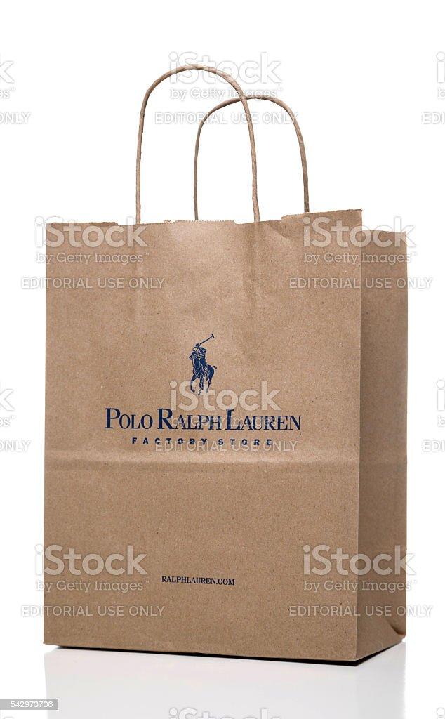 https www istockphoto com de foto polo ralph lauren factory store papier tasche an der seite gm542973706 97341851