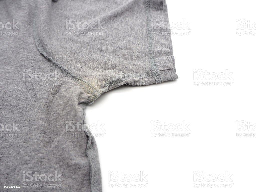 https www istockphoto com fr photo tache jaune sous aisselle sur t shirt isol c3 a9 sur fond blanc gm1056398426 282320904