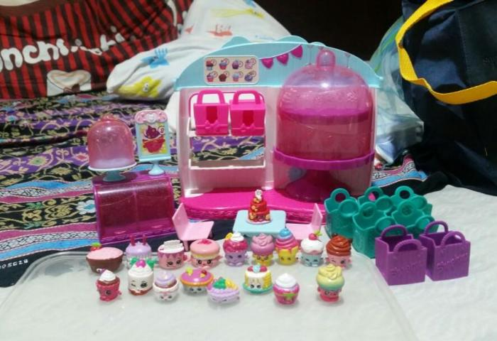 Shopkins Cupcake Queen Cafe Collection On Carousell