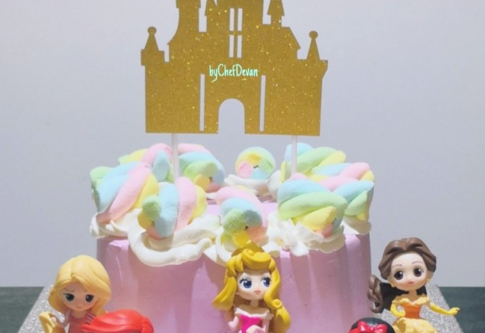 6inch Pink Princess Castle Cake Food Drinks Baked Goods On Carousell