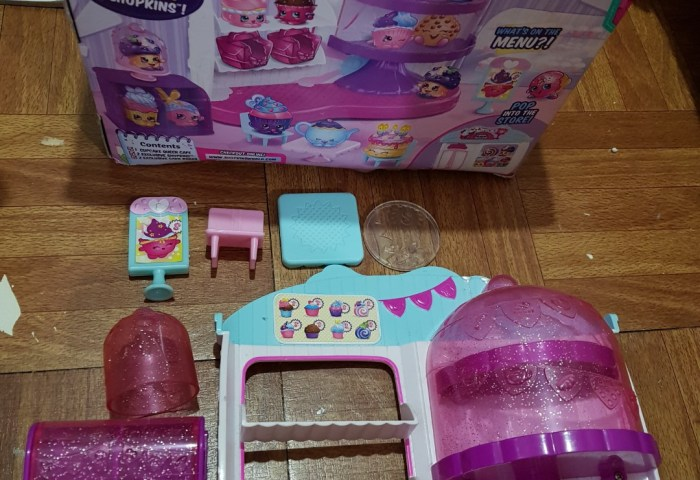 Shopkins Cupcake Queen Cafe Toys Games Toys On Carousell