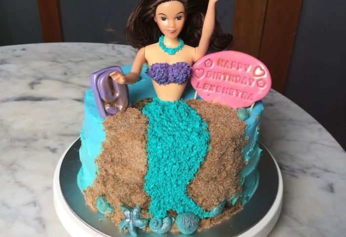 Barbie Doll Cake Food Drinks Baked Goods On Carousell