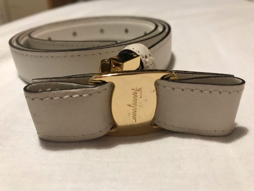 Ferragamo white belt 95, 女裝, 女裝配飾 - Carousell