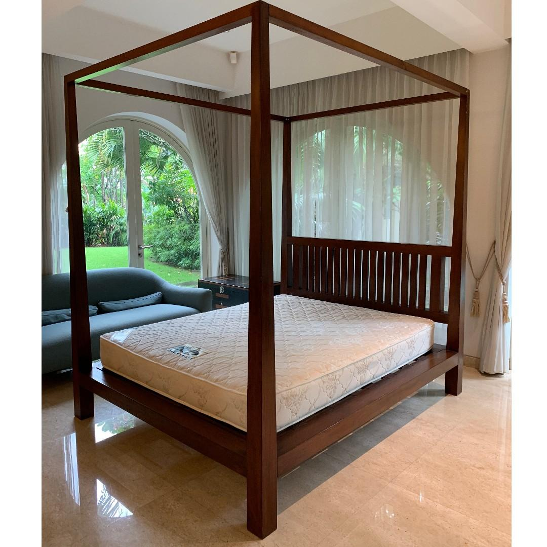 solid wood indonesian made 4 poster queen bed frame